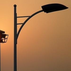 嶺南xia)罰ㄇ嗷罰   ├lu)燈變電力設備